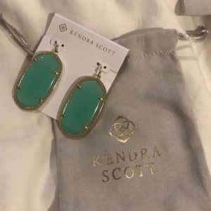 Kendra Scott- Danielle style earrings